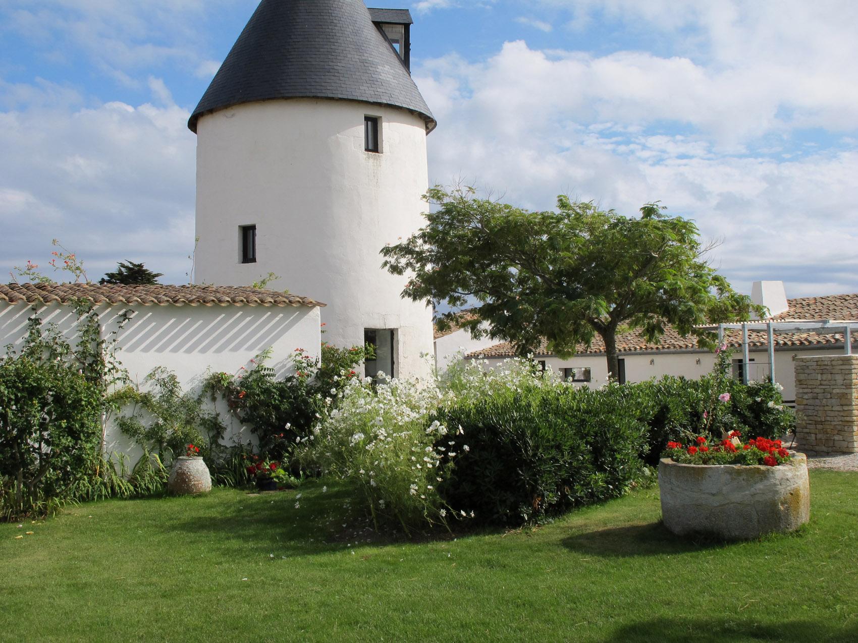 Location moulin de caract re h tel de charme le s n chal proche de la flotte en r - Office de tourisme ars en re ...